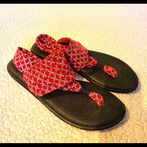 Sanuk patriotic red star flip flops size 10